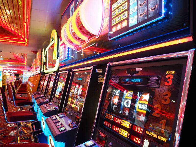 6 Sneaky Ways People Are Cheating At Slots - 2021 Guide - Poker Players  Alliance
